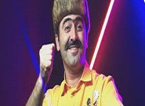 asiq musqulat   mamasi gelir bir neferin 300x220 - دانلود آهنگ ترکی عاشق مشقلات به نام ماماسی گلیر بیر نفرین